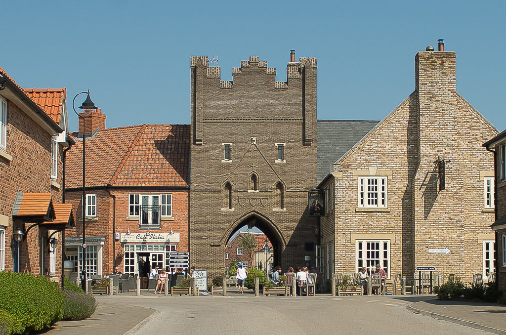 We are just a minute or two from the village centre where there is a pub, cafe, and leisure complex.